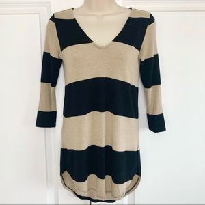 Dynamite Black Striped Tunic Top with Keyhole Back